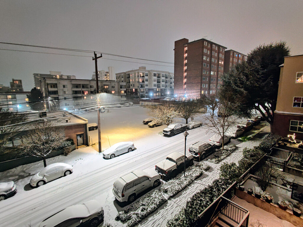 Nighttime snow in Seattle